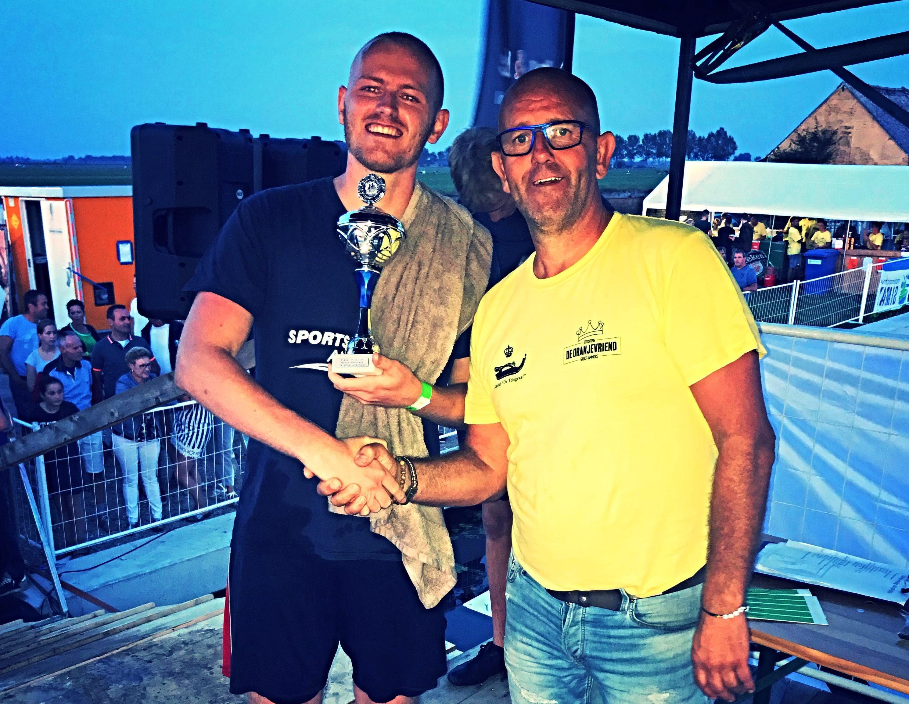 Pieter van Andel wint allereerste Fiets 'm d'r in